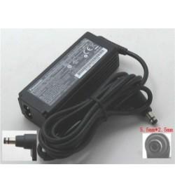 Panasonic CF-AA62J2C M1, CF-AA62J2C M2 16V 2.8A original adapters